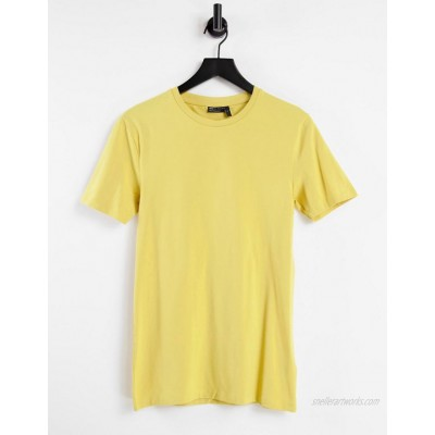 DESIGN organic muscle fit t-shirt with crew neck in yellow