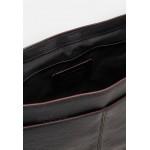 Coach METROPOLITAN SOFT COURIER - Across body bag - black