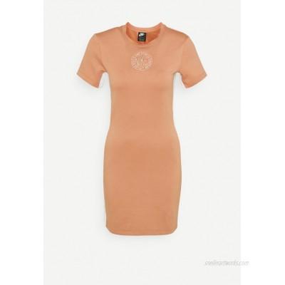 Nike Sportswear Shift dress terra blush/orange pearl/brown